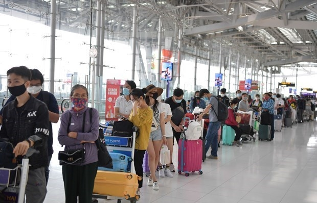 more than 240 vietnamese citizens brought home from philippines