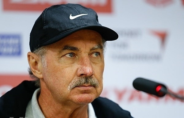 former coach of vietnamese football team alfred riedl passes away