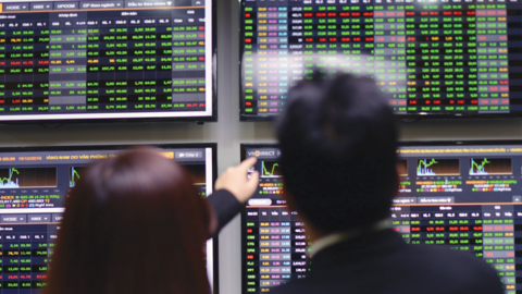 shares lose steam as selling pressure increases
