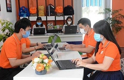 vietnam stocks lose grip of 900 points