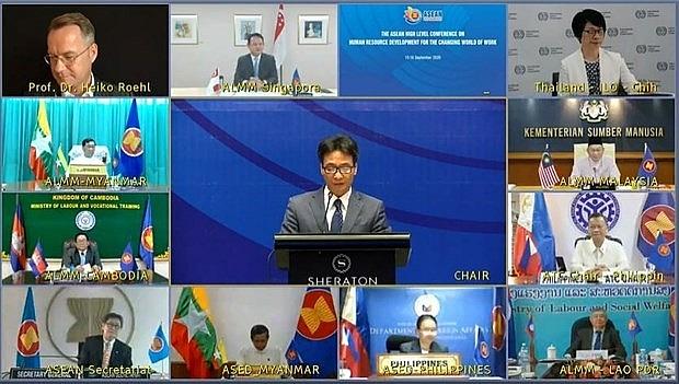 asean ministers bolster human resource development