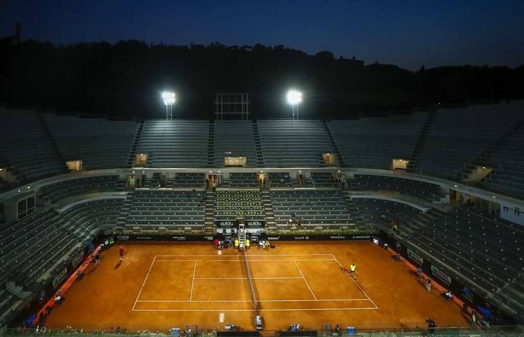 djokovic nadal into last eight as italian open prepares for fans