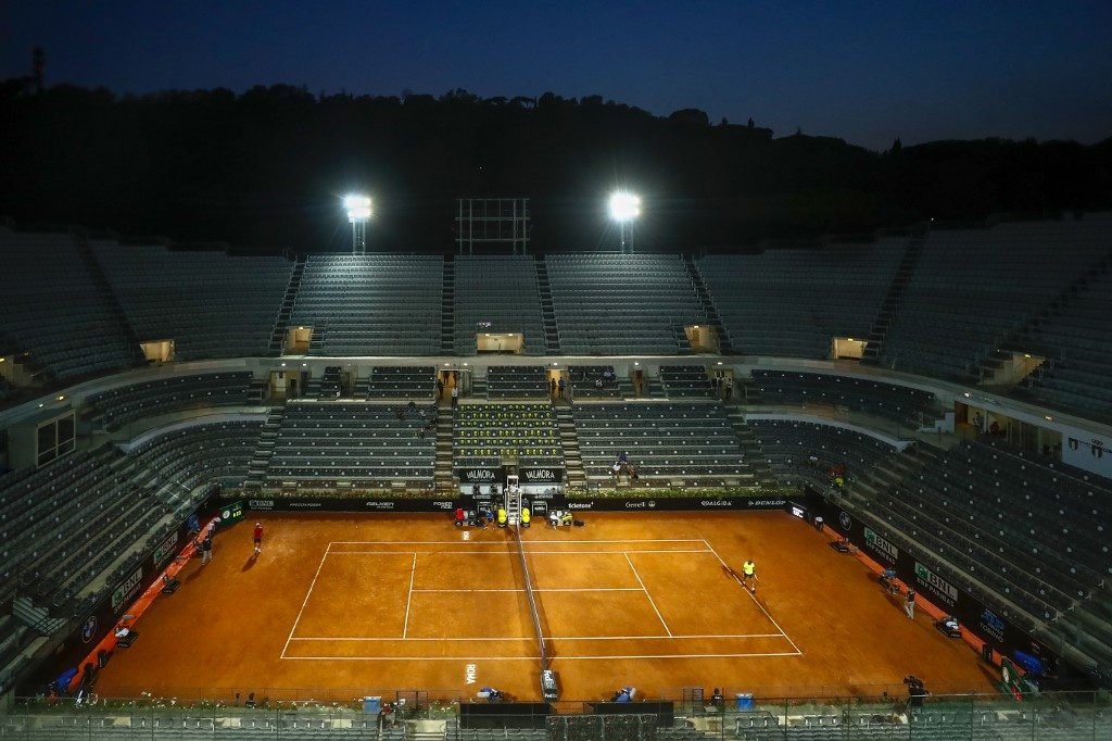 djokovic nadal into last eight as italian open prepares for fans