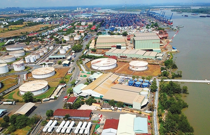Woes delay investment in industrial property