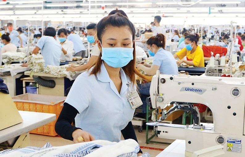 Vietnam fights to retain export shine