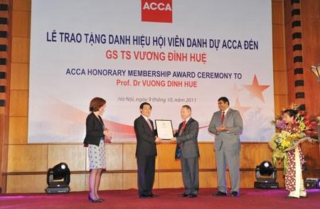 acca honours prof dr vuong dinh hue