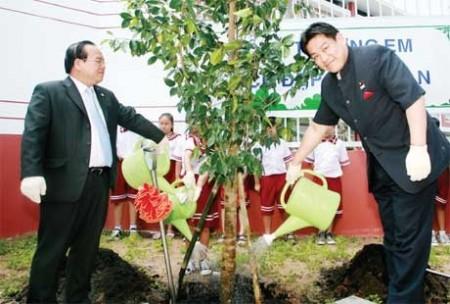 a garden city takes root in binh duong