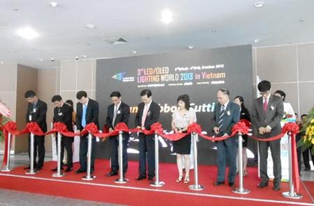 lighting expo opens in hcm city