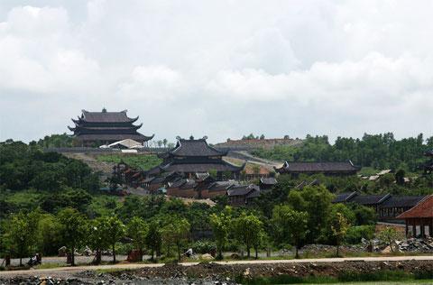 bai dinh pagoda between worship and gigantism