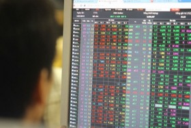 Selling by foreign investors prompts caution