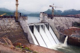 Locals protest hydropower plants