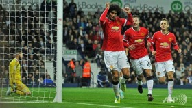 Blind's late equaliser rescues draw for Manchester Utd