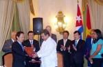President attends VN-Cuba Business Forum