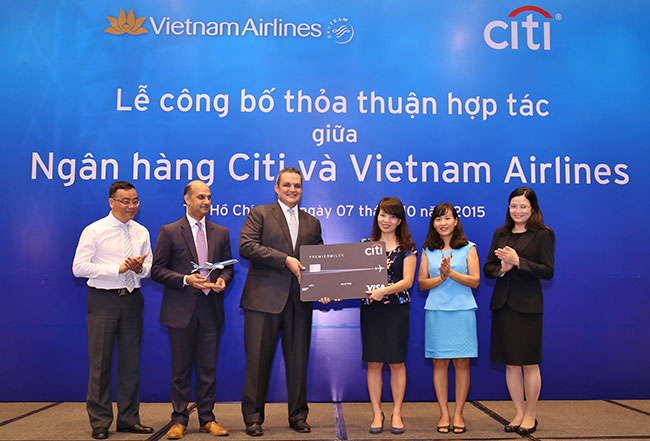Citi Vietnam and Vietnam Airlines announce partnership agreement