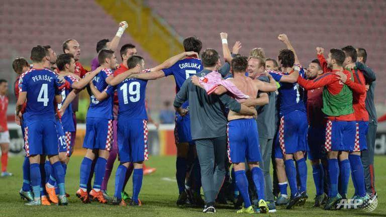 Disaster for Dutch as Croatia, Turkey qualify for Euro 2016