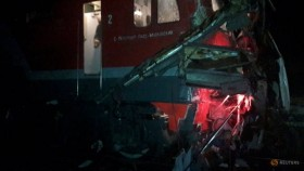 Sixteen people killed in Russia after train collides with bus