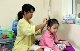 Mothers help their children fight cancer