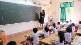 Quảng Ninh hiring freeze creates teacher shortage