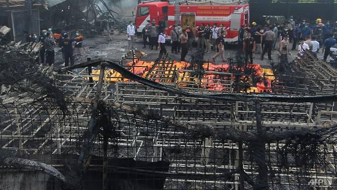 indonesia fireworks factory blaze kills at least 46 injures dozens