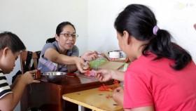 Japanese volunteer changes lives of Agent Orange kids