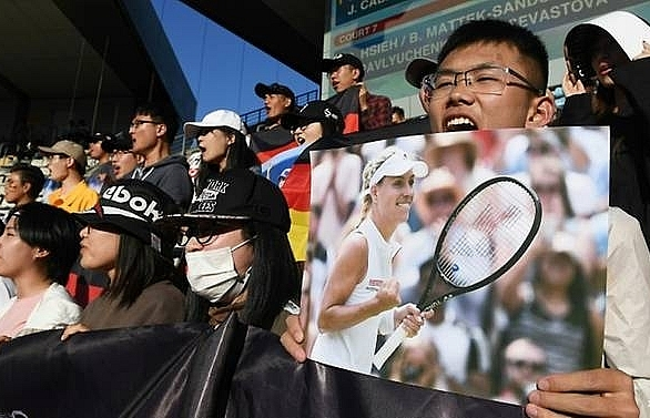 kerber the unlikely hero of star shorn china open