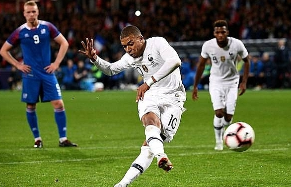 mbappe helps france avoid iceland defeat