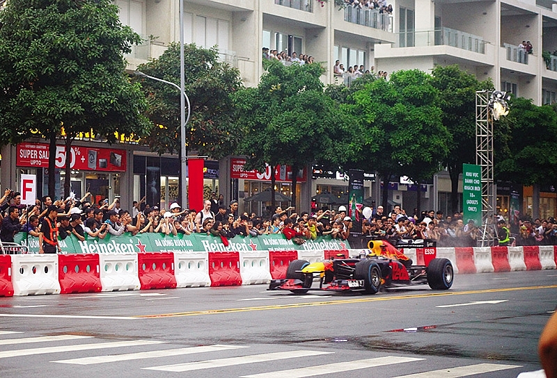 hanoi in pole position for f1 race tourist boost