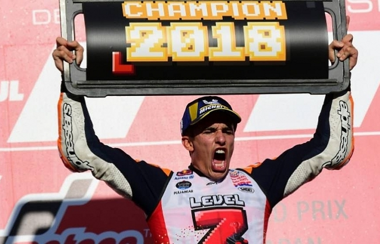 five star marquez romps to motogp title as dovizioso crashes