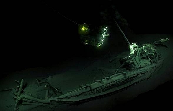 worlds oldest intact shipwreck from 2400 years ago found in black sea