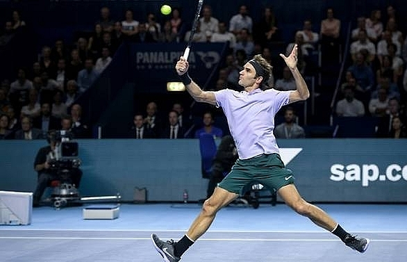 federer powers past struff into basel quarter finals