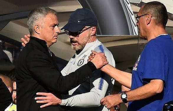 chelseas ianni fined after mourinho clash