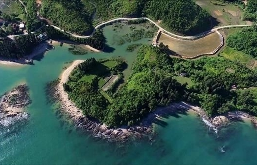 cai chien island untouched paradise in quang ninh province