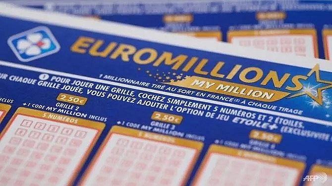 uk winner pockets 190 million jackpot