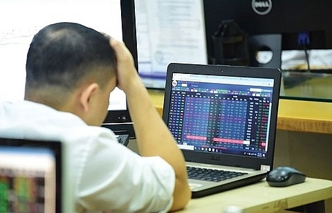 vn stocks slide as selling hits retail tech and brokerage