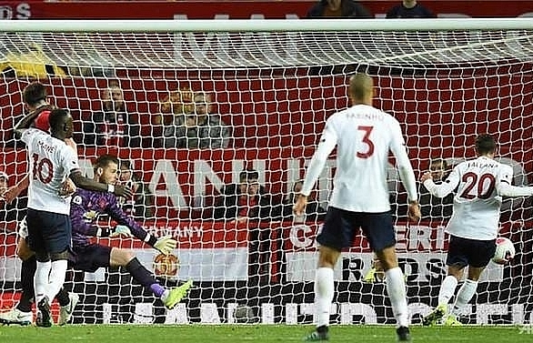 man united end liverpools winning run in 1 1 draw
