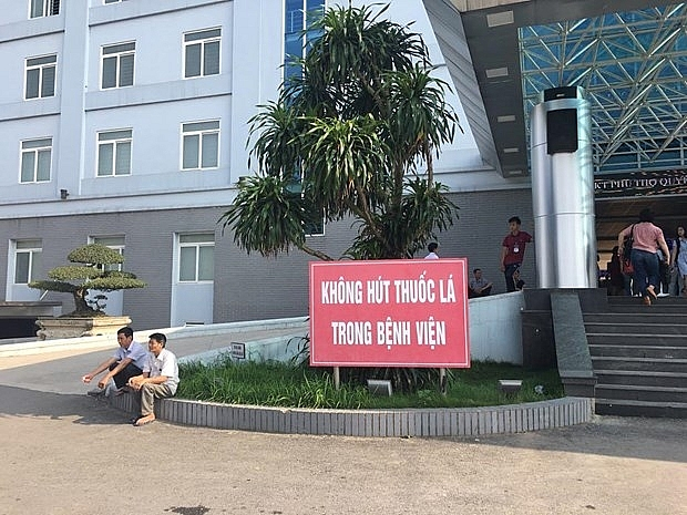 hanoi hcm city build smoke free environments in public areas