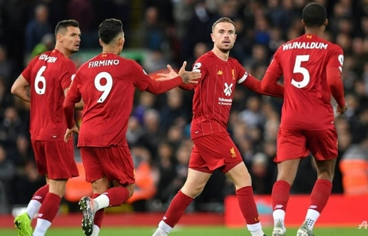 liverpool battle back to beat spurs as manchester united end away day blues