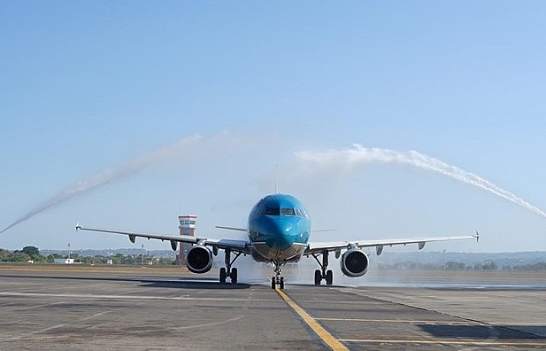 vietnam airlines opens hcm city bali direct air route