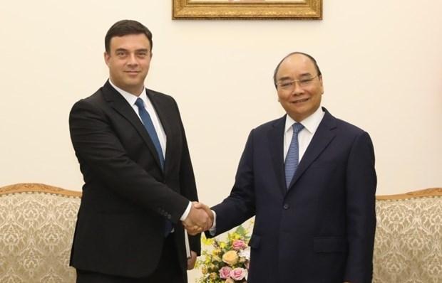 pm nguyen xuan phuc receives israeli ambassador