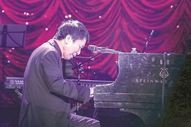 composer wins award for work dedicated to hanoi