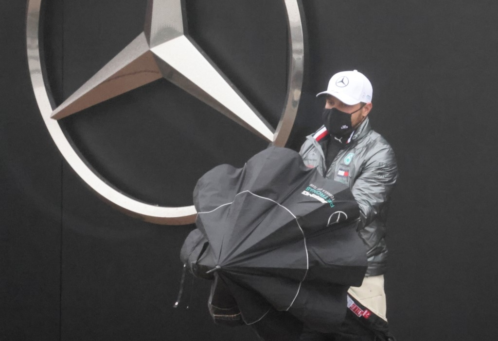 hamilton bottas living like hermits after mercedes virus outbreak