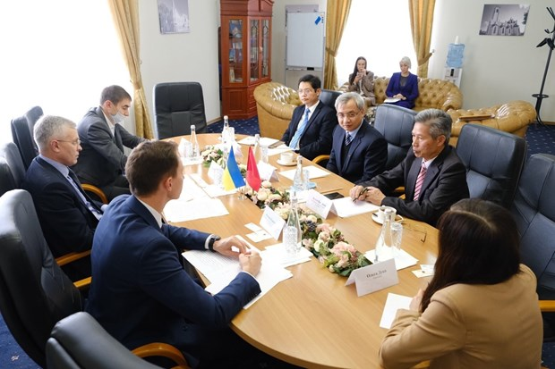 vietnam seeks investment business chances in ukrainian province