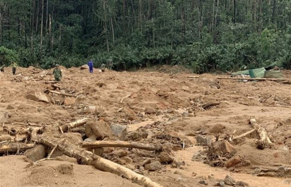bodies of seven landslide victims found