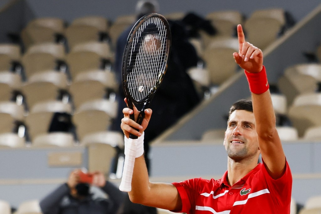 djokovic pulls out of paris masters eyes vienna and london