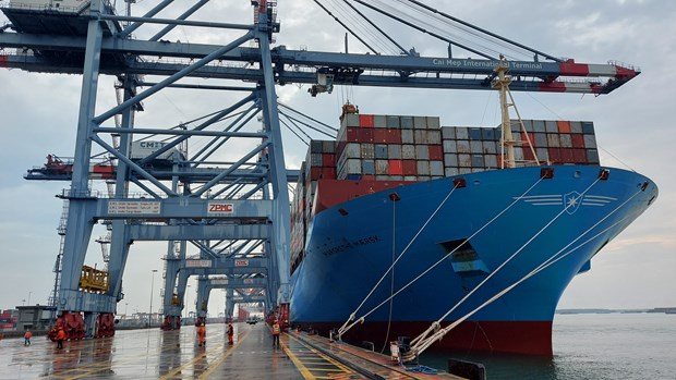 southern sea port welcomes ultra large container ship