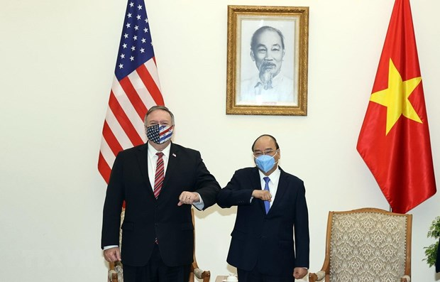 prime minister nguyen xuan phuc hosts us secretary of state