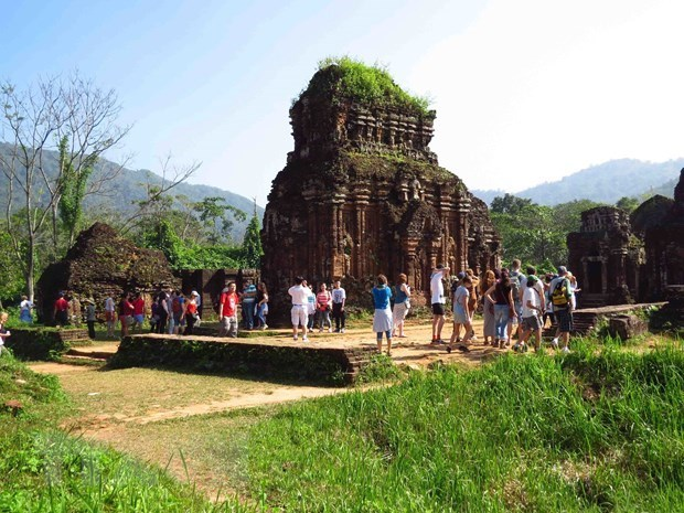 vietnam welcomes over 38 million foreign tourists in 10 months