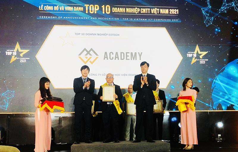 MVV Academy receives edtech enterprise award at Top 10 ICT Enterprise in Vietnam 2021