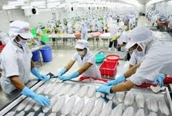 vietnam russia target 5 bln in trade by 2015