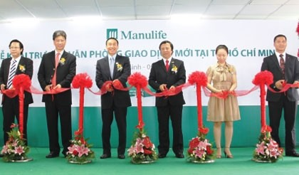 manulife goes the extra yard